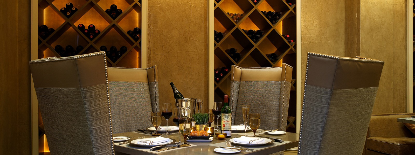 Mooo Located On Boston S Beacon Hill Is A Modern Steakhouse Adjacent To The